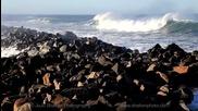 Огромни вълни се разбиват в скалите 8.2.2012 , Morro Bay, California