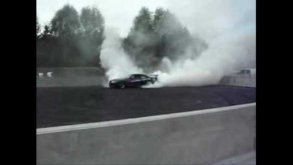 Monster 900hp Skyline Burnout
