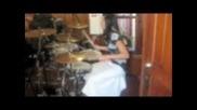 Това Момиче Кърти ( Lady Drums )