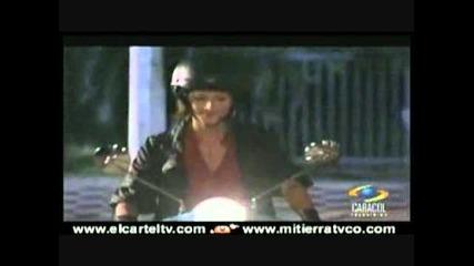 Mariano entre Paloma y Cristina