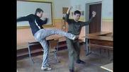 Ученици пребиват от бой свой съученик