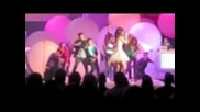 Selena Gomez Performs Live with Bella, Zendaya and Entire Shake It Up Cast!