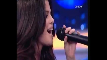 Selena Gomez singing in Spanish // Naturally