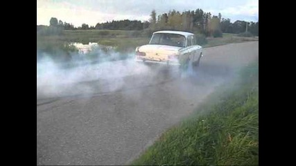 Moskvich 412 burnout