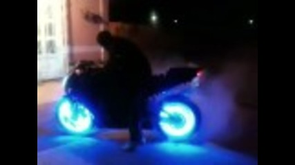 Mi moto/ my bike, leds en llantas/ leds on rimes
