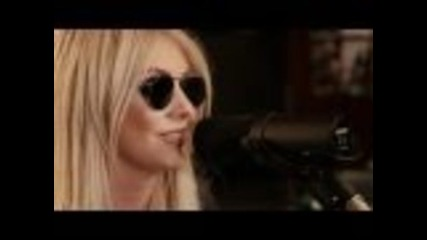The Pretty Reckless - Miss Nothing (down the Front Session)