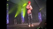 Aidan Davis performs at Nantwich - На живо