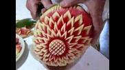 Карвинг върху плодове