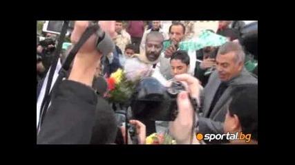 С цветя и знамена посрещнаха Цска в Либия