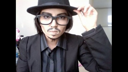 Момиче се преобразява в Johnny Depp