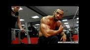 Лазар Ангелов тренира гърди 2013