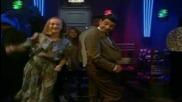 Мистър Бийн танцува в нощният клуб