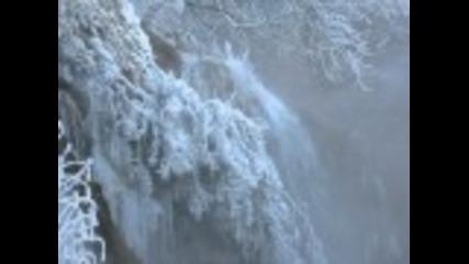 Кршунски водопади през зимата