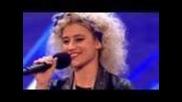 Участничка в X-factor забрави текста на песента си от притеснение