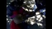 циганка играе сварка с децата си