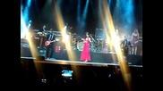 Selena Gomez-live in Panama25/01/12-falling down
