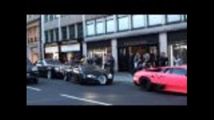 Супер коли по улиците на Лондон