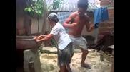 Интересен танц от баба Переандо