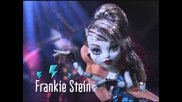 Monster High - Draculaura Sweet 1600 & Draculaura's Roadster Commercial