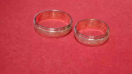 венчални халки от жълто злато и сатениран мат Kirkorian Diamonds