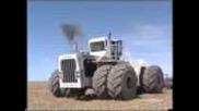 Гледаите един доста огромен трактор Big Bud 747