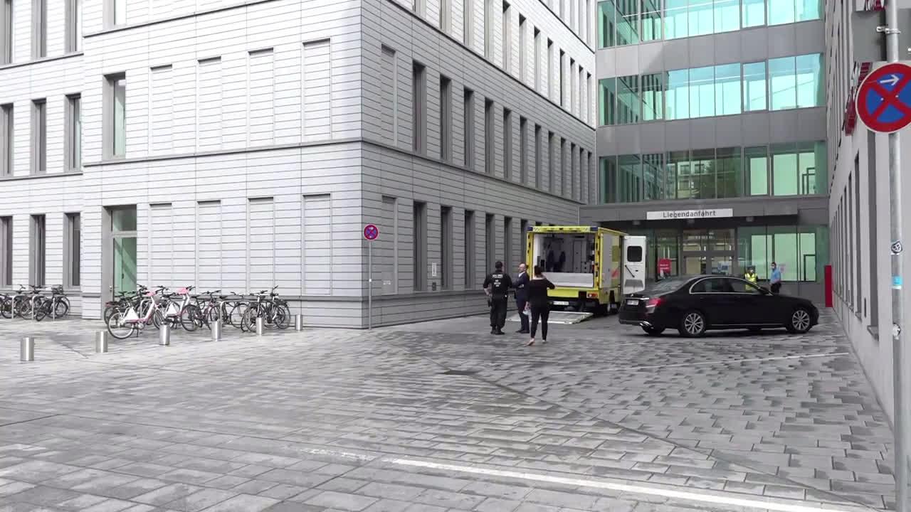 Germany: Police convoy escorts Navalny to Charite hospital for treatment