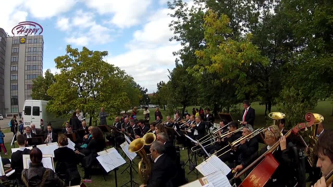 Народна и филмова музика в изпълнение на Софийския духов оркестър