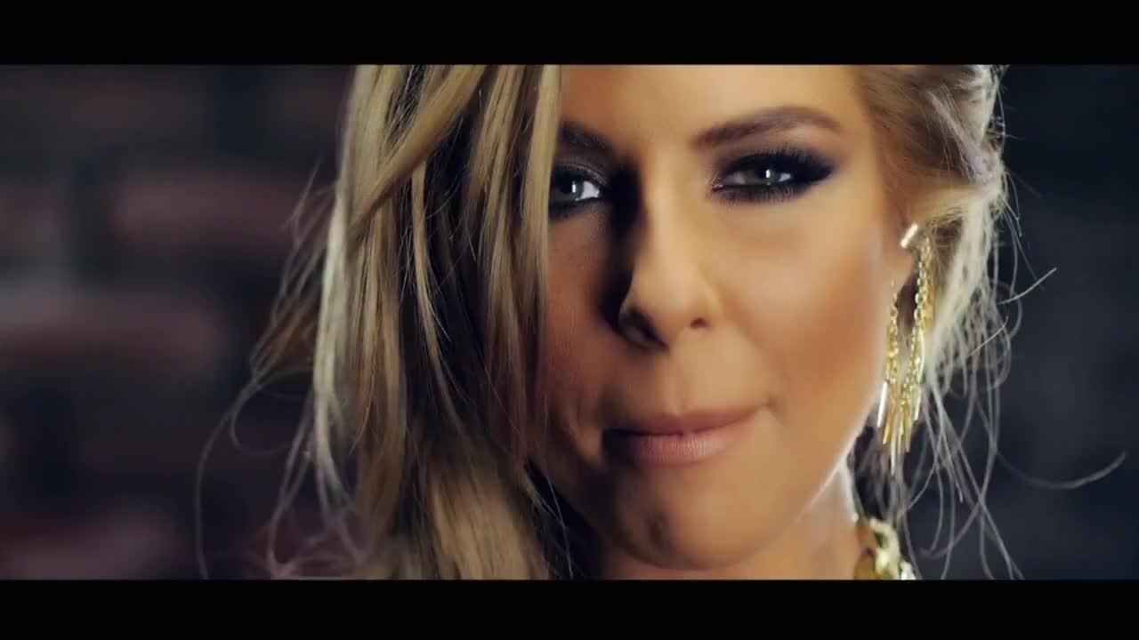 Mc Yankoo feat  Andrea - Zvuk (official Video) 2013 Vbox7