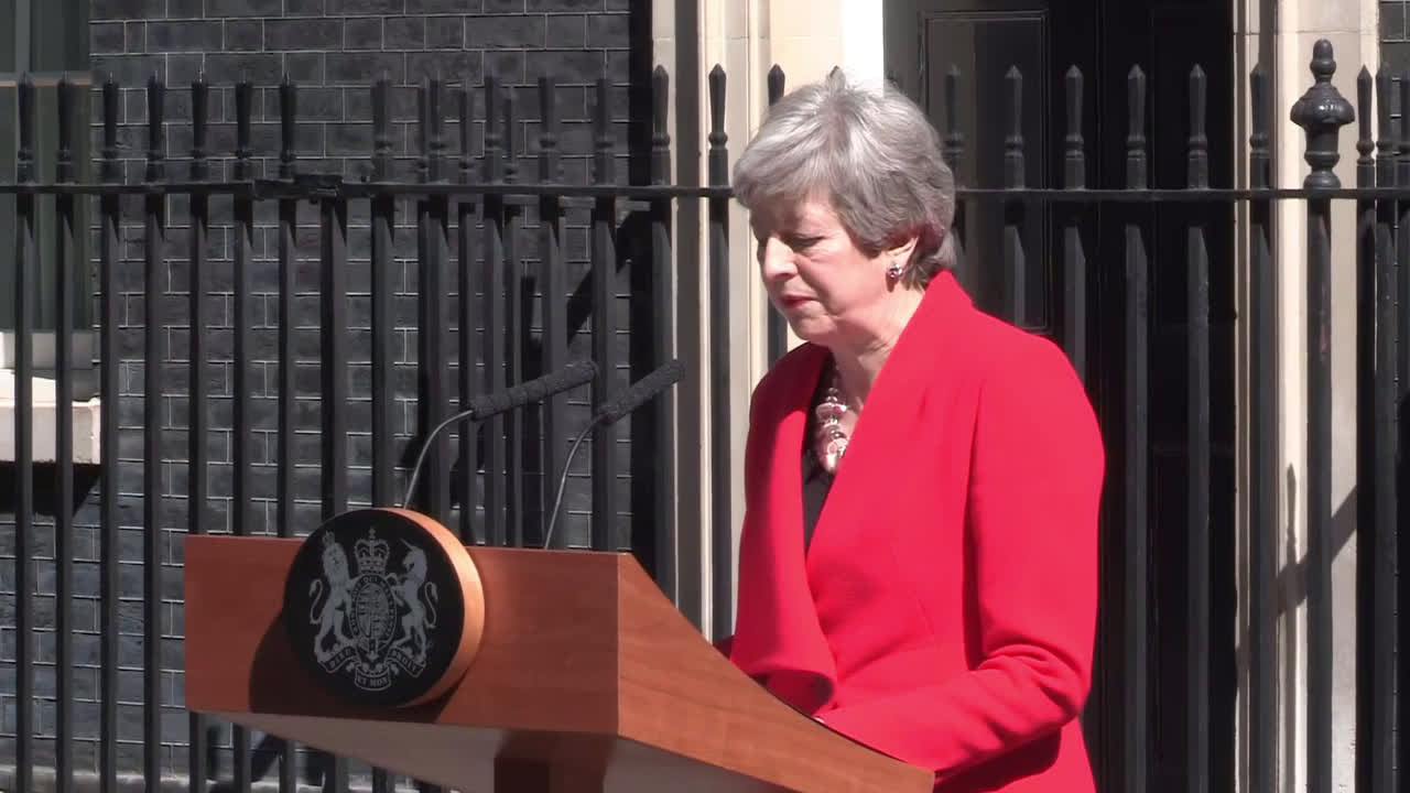 UK: May makes tearful resignation announcement from Downing Street