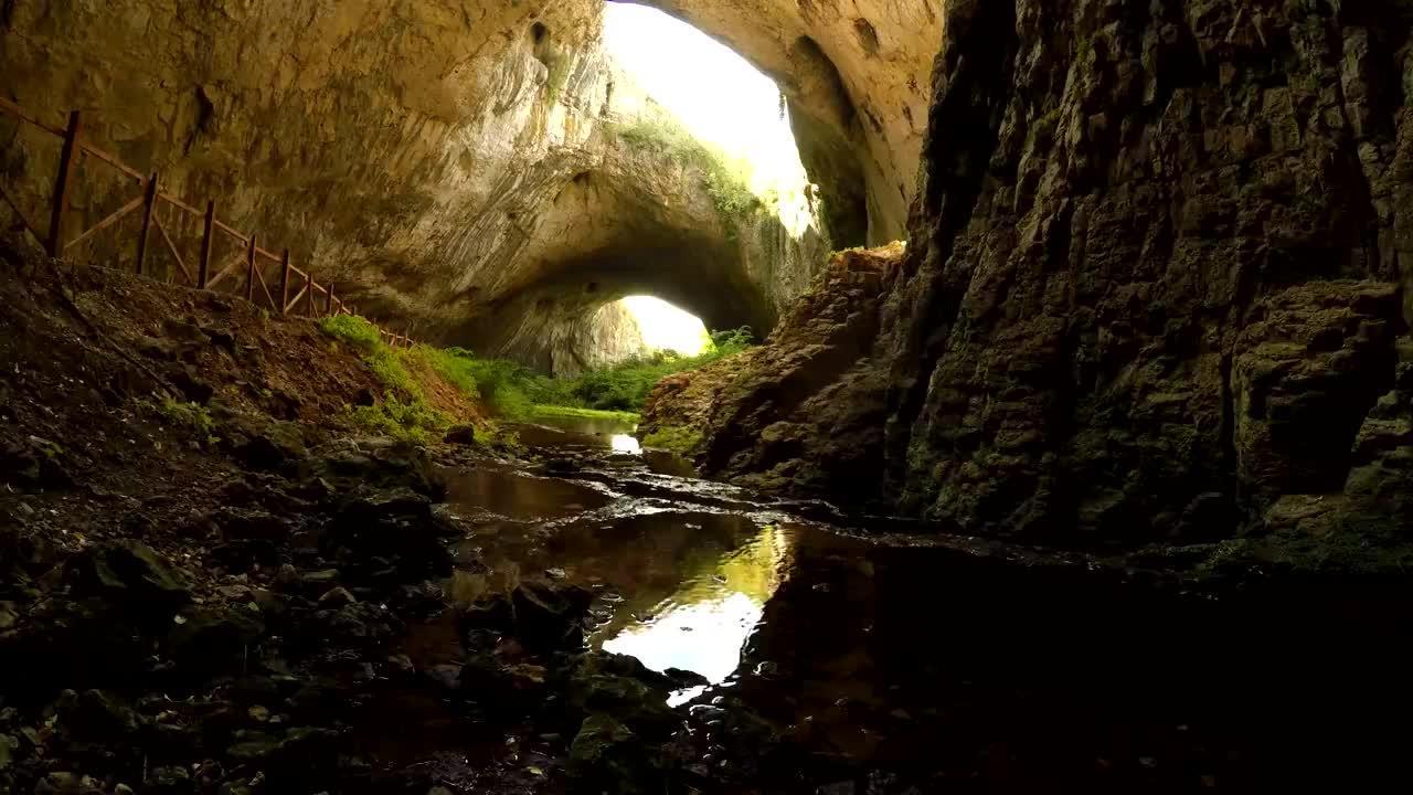 5 любопитни факта за Деветашката пещера