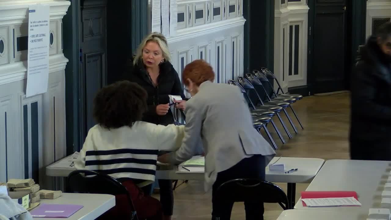 Франция гласува на първи тур на президентски избори
