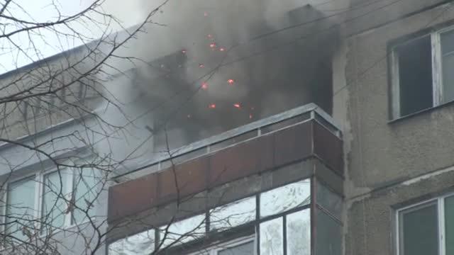 Пожар евакуира жилищен блок в Русе - видео БГНЕС