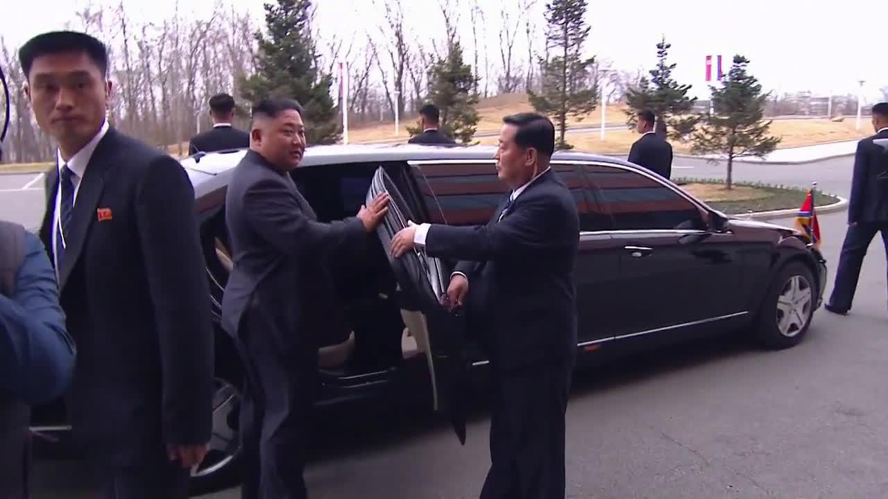 Russia: Putin and Kim wave goodbye as Vladivostok summit ends