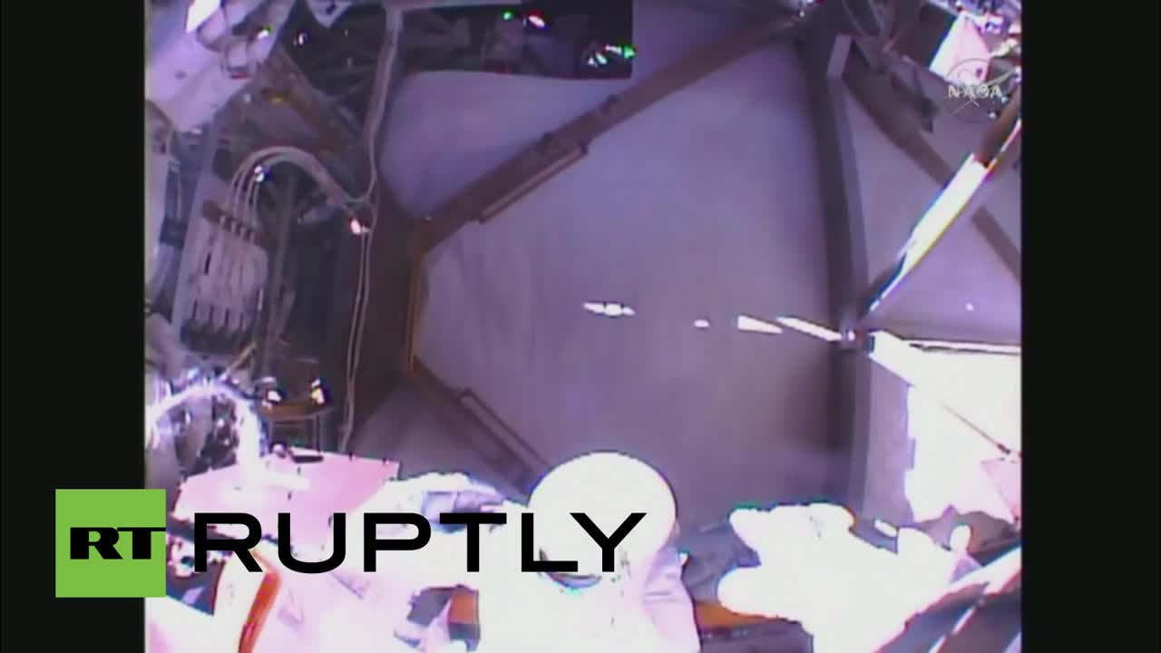 ISS: NASA astronauts Kelly and Lindgren conduct second spacewalk