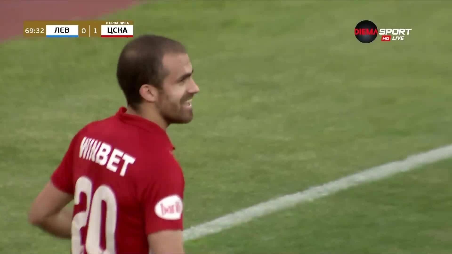 Чудесно изпълнение на Тиаго и ЦСКА поведе на Левски