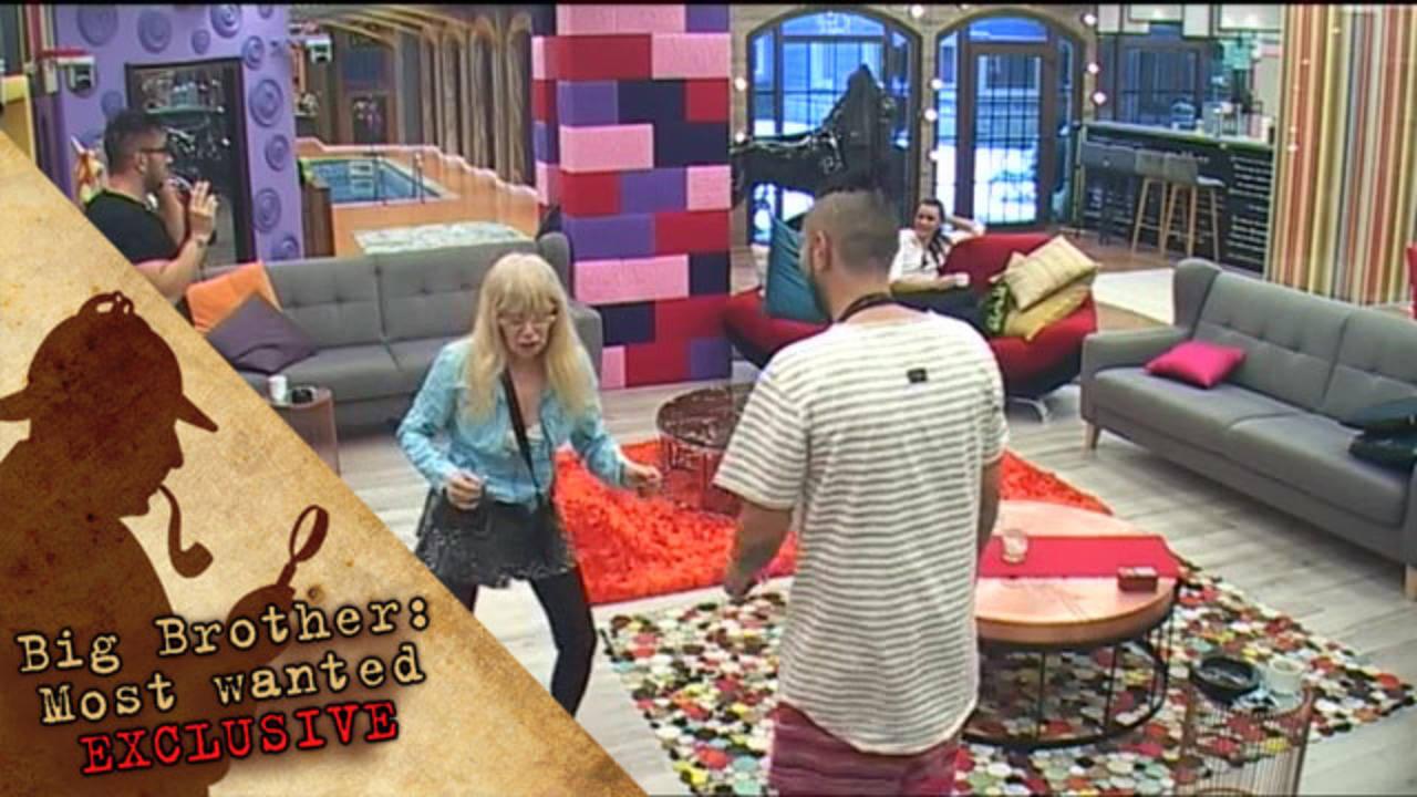 Захажаева имитира подигравателно походката на Коцето - Big Brother: Most Wanted