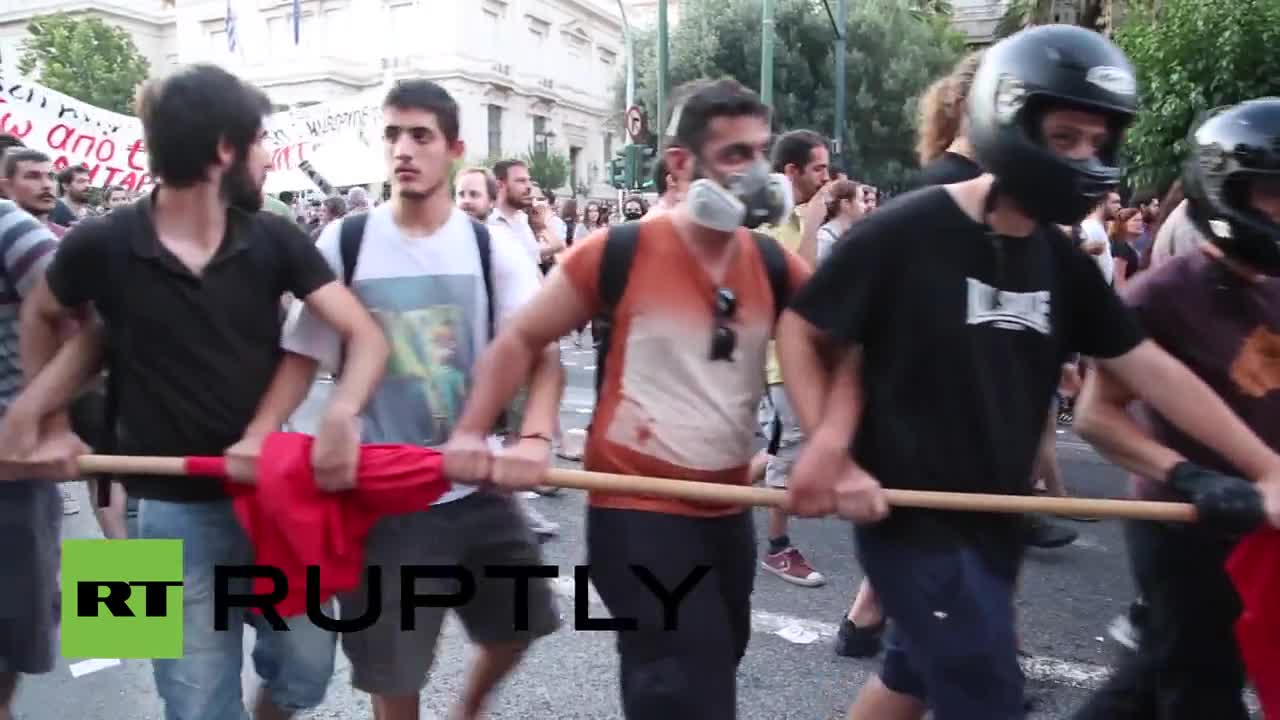 Greece: Clashes erupt outside EU offices in Athens as referendum looms