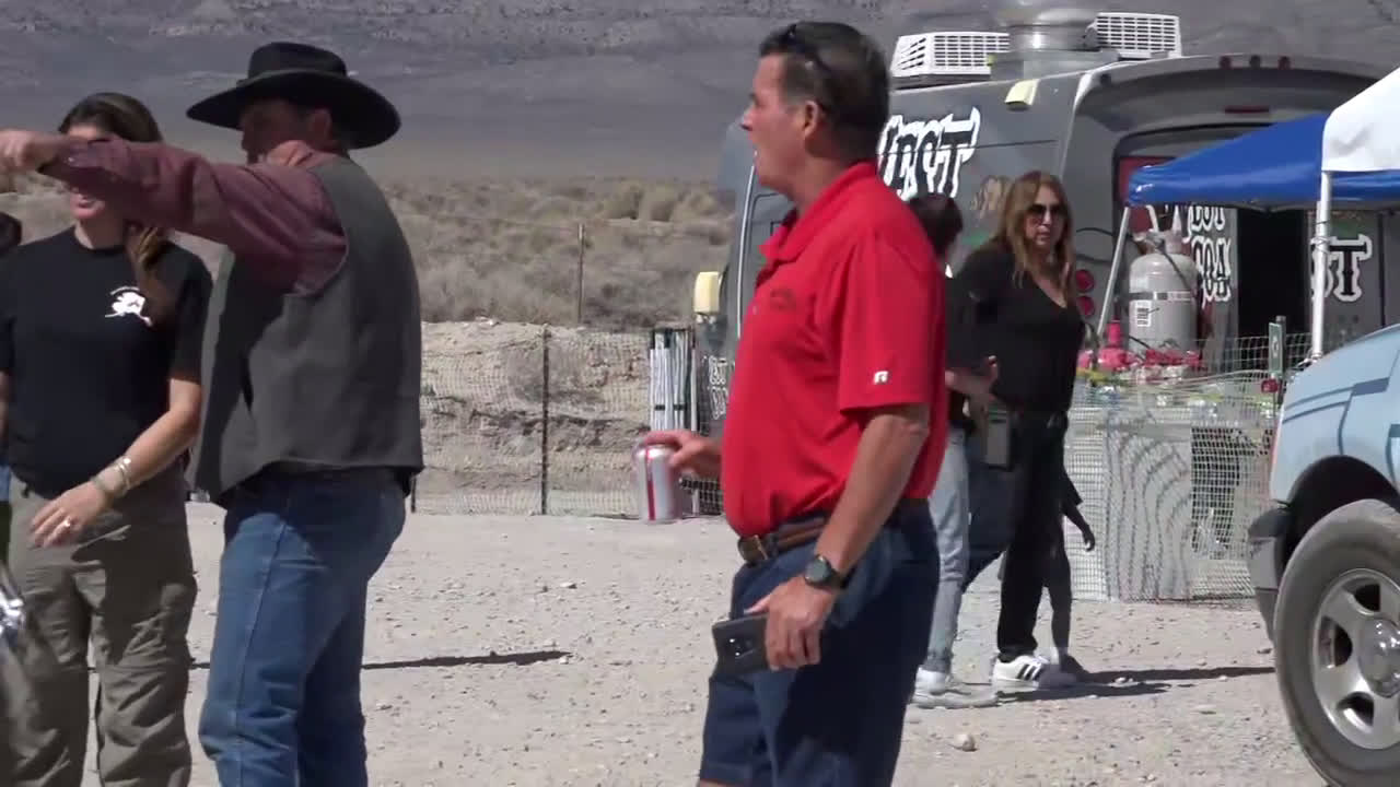 USA: Alien enthusiasts gather for \'Storm Area 51\' event