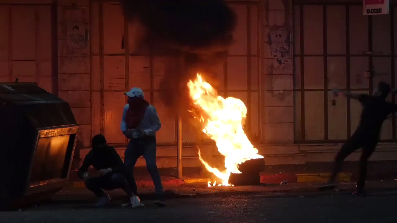State of Palestine: Streets on fire as protesters clash with Israeli soldiers in Hebron