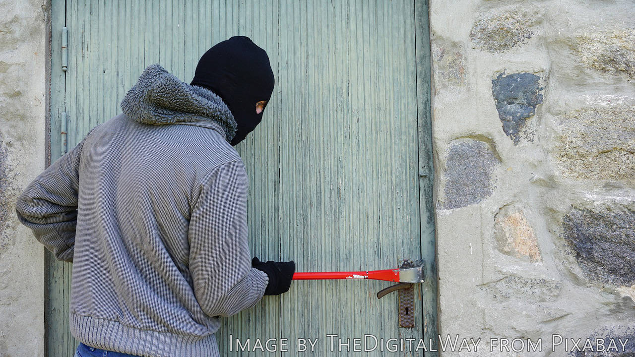 Крадците също плачат! Безумна компилация от некадърни опити за кражба! :D