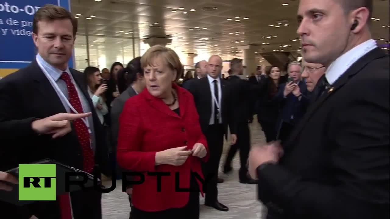 Spain: Merkel and Juncker arrive at EPP congress in Madrid
