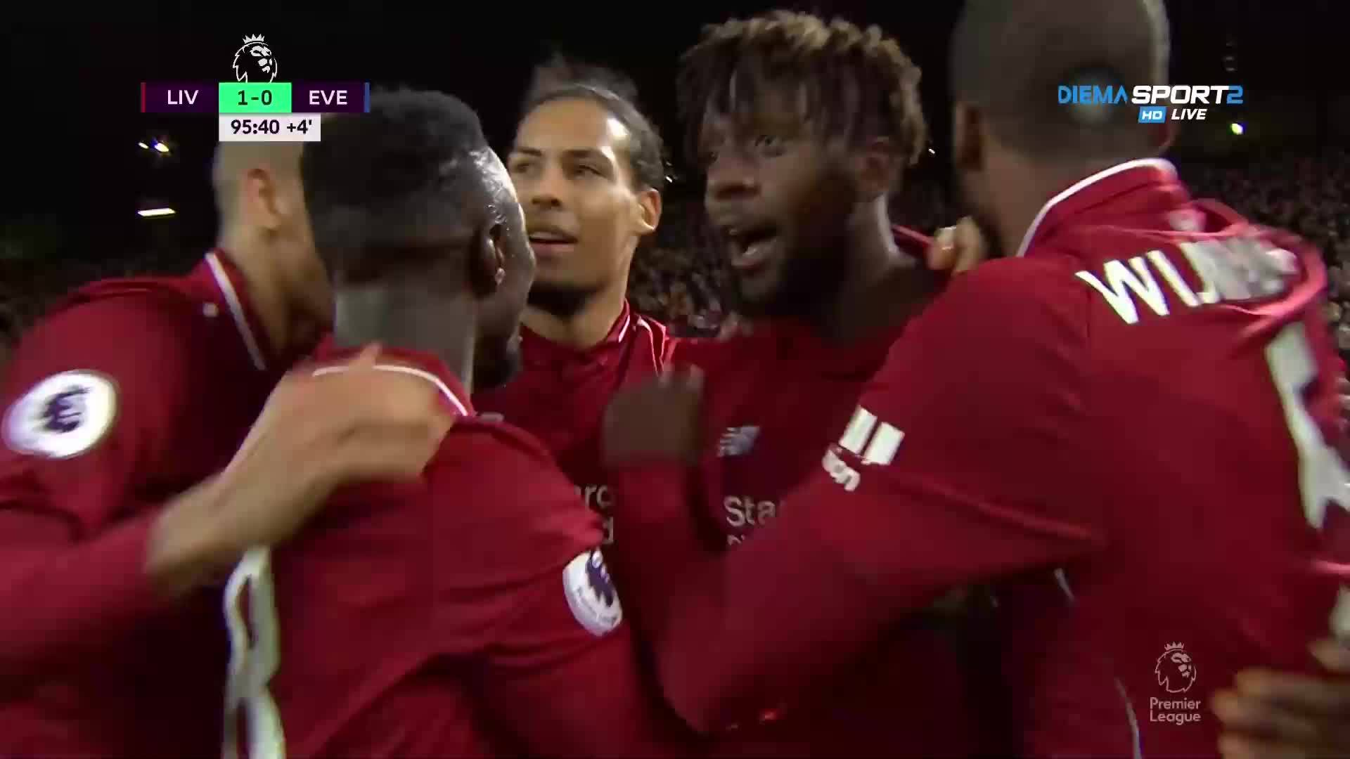 Това ли е най-куриозният гол в историята на Премиършип?
