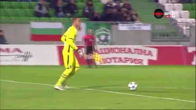Спасяване на Ренан Дос Сантос срещу Левски