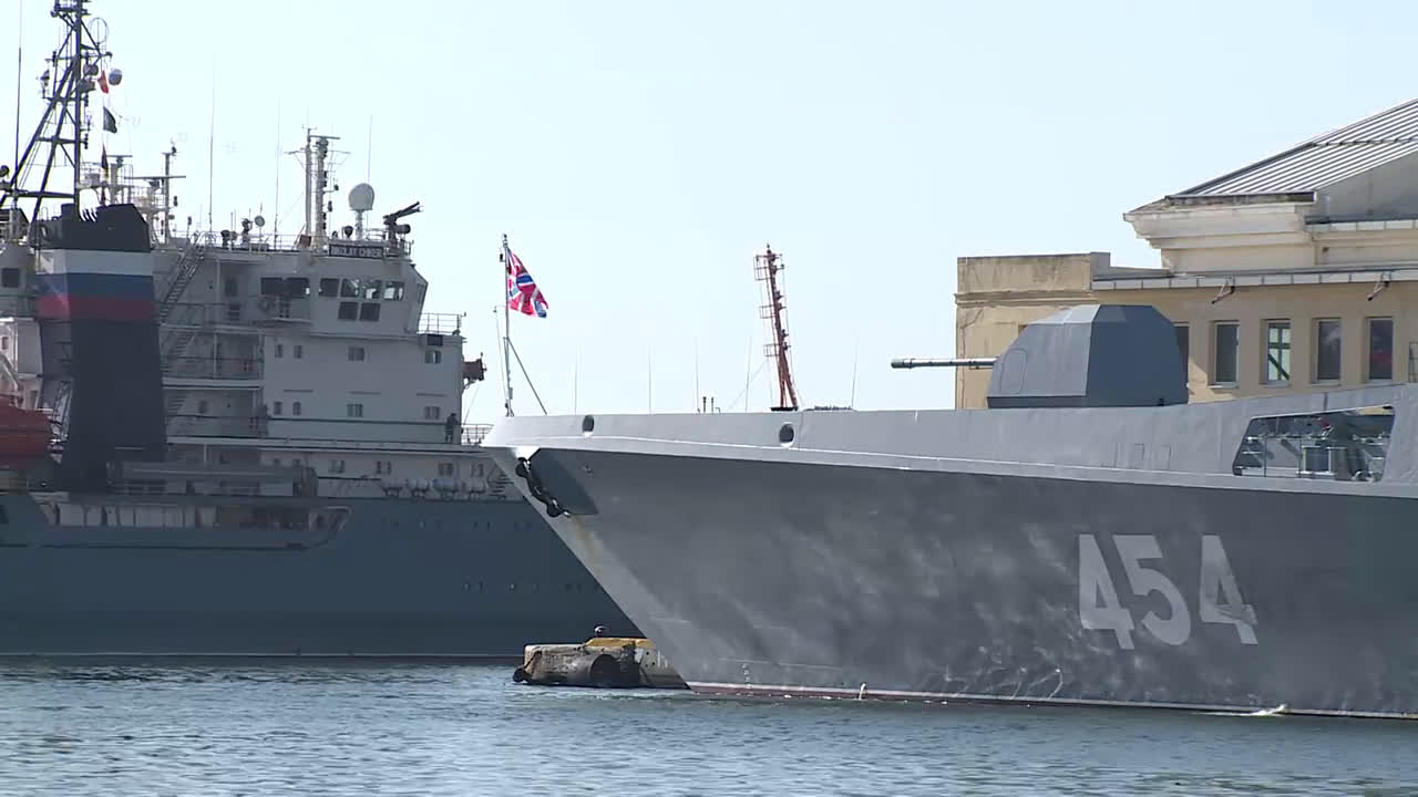 Cuba: Russian warships steam into Havana for official visit