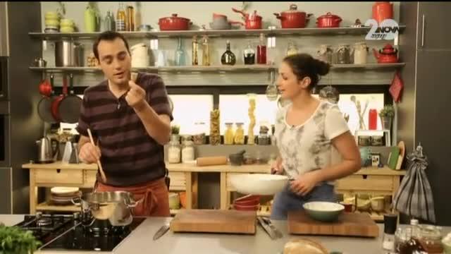 Супа от пащърнак с праз и саварини с мед, фурми и орехи - Бон Апети (10.11.2014)