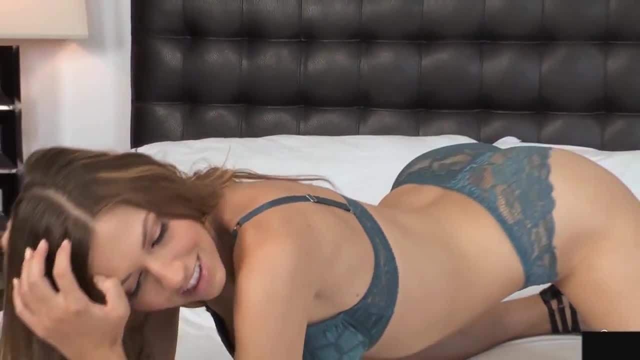 Striptease sexy lingerie