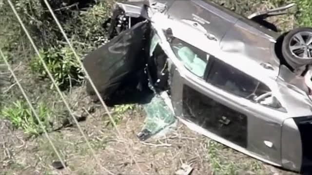 Тайгър Уудс катастрофира, откаран е в болница