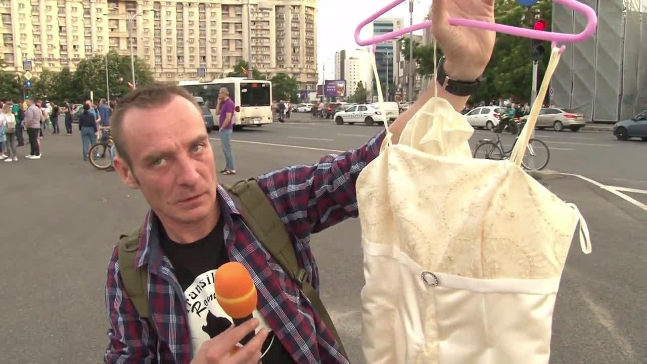 Romania: Protesters celebrate conviction of PSD leader Dragnea in Bucharest