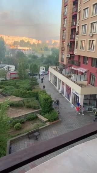Голям пожар в блок в София