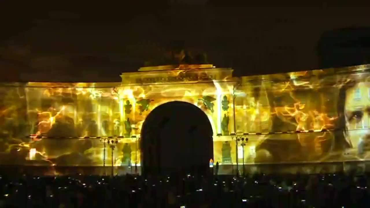 3D мапинг върху двореца в Санкт Петербург предизвика голям интерес